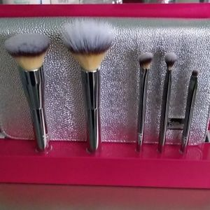 IT cosmetic Makeup brushes, 5pc set